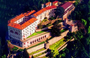 Colline-del-Prosecco-Vespa-Wild-in-the-Dolomiti
