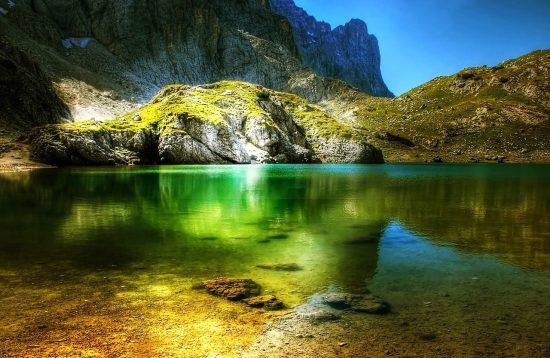 Lago-coldai-wild-dolomiti