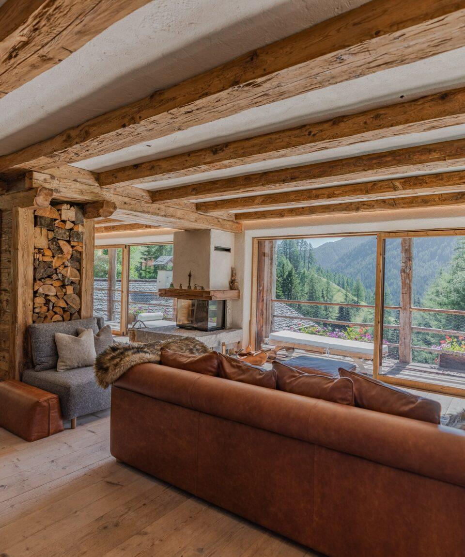 6.Cesa-del-louf_Living-room-min
