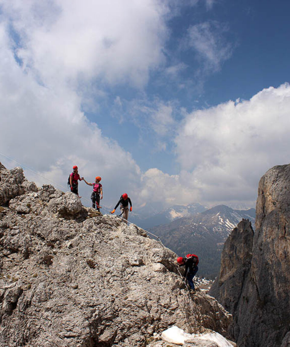 wild-in-the-dolomiti_guides_vieferrate_passo_falzarego